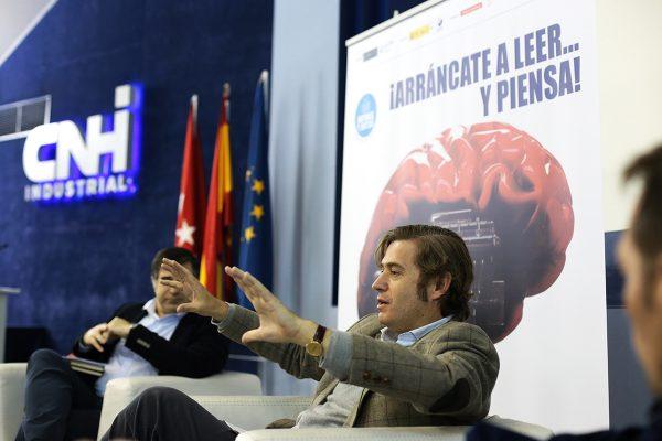 El filósofo Javier Gomá dialogó con los lectores de IVECO sobre el concepto de «ejemplaridad» y su obra Razón portería